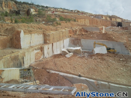 Botticino Classico Marble Quarry Photo